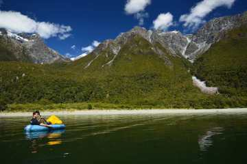 Hiking & Packrafting the Hollyford – Pyke River (New Zealand)