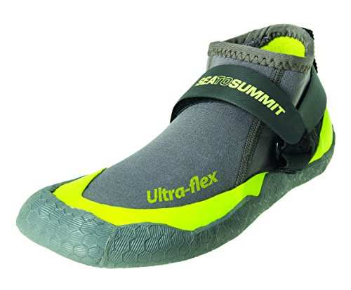 bc507e183f44 Top 10 Best Kayaking Shoes of 2019 • The Adventure Junkies