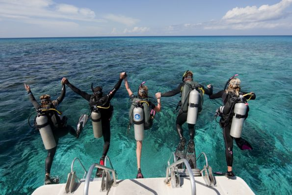 The Complete Scuba Diving Equipment List • The Adventure Junkies