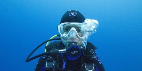 choosing a dive mask