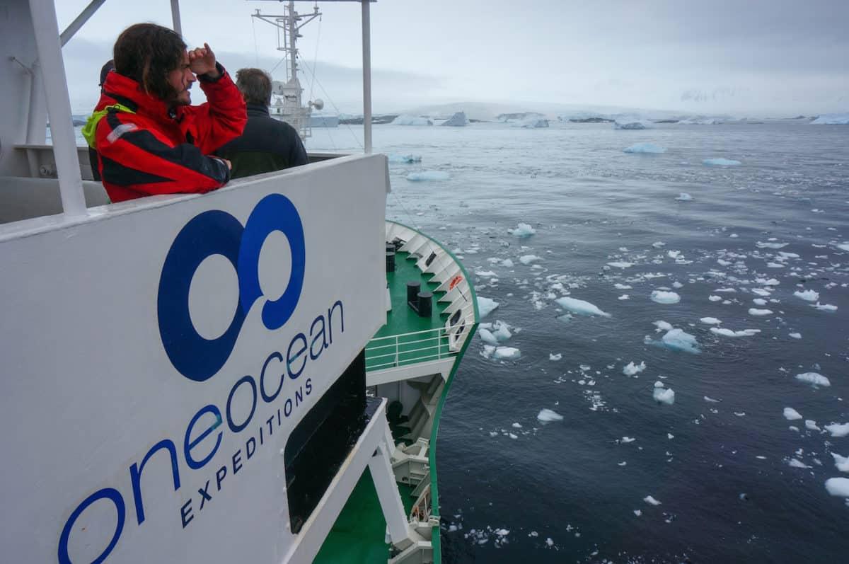 antarctica-cruise-ship