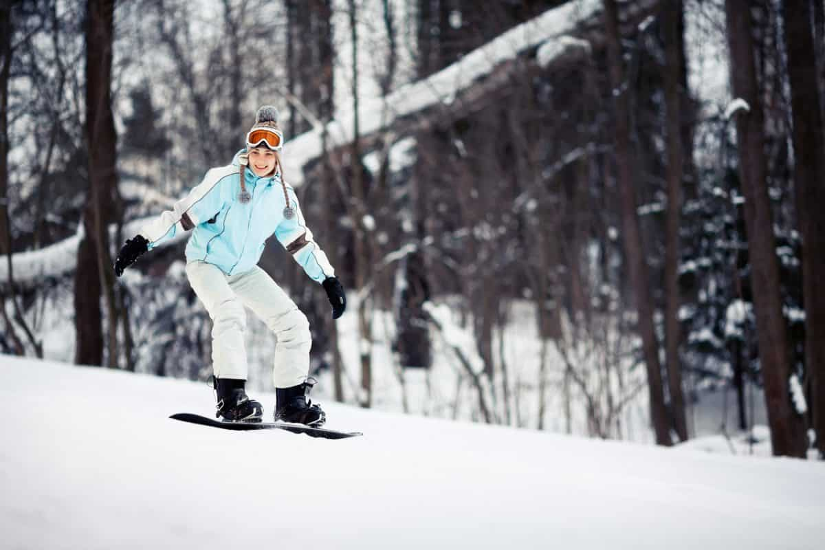 learn how to snowboard for beginners