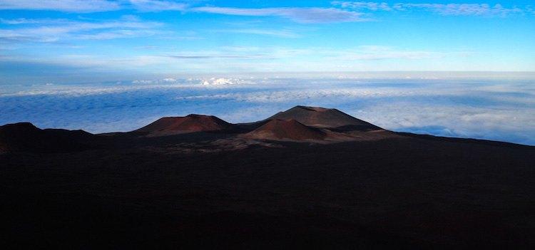 Hiking Mauna Kea Volcano in Hawaii   The Adventure Junkies