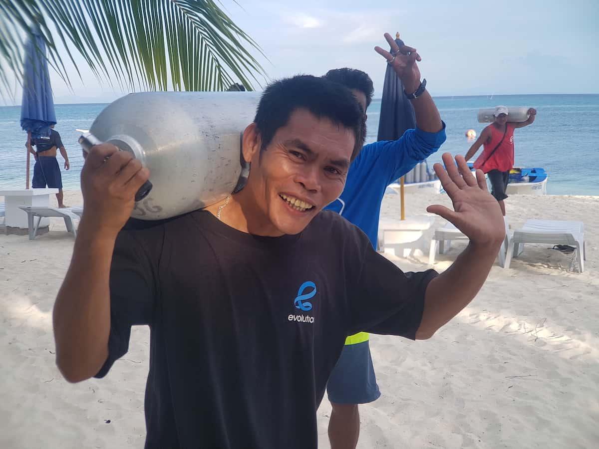 divers in malapascua
