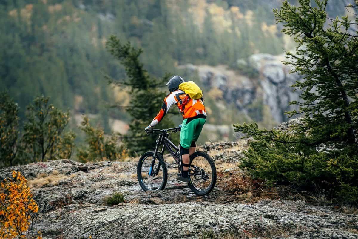 mountain biking gear list to have