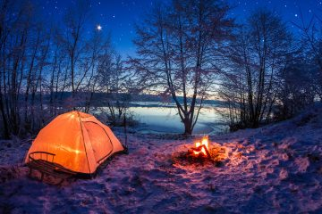 tips for hiking and camping in the snow