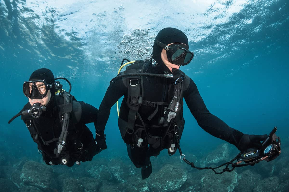 how to stay longer underwater when diving