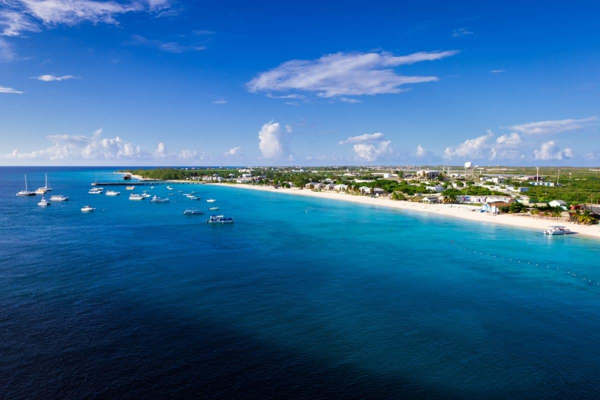 turks and caicos liveaboard
