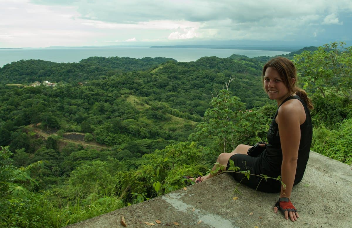 costa rica essay The republic of costa rica is a central american country bordered on the north by nicaragua, southeast by panama, west by pacific ocean, east by caribbean sea and south by cocos island essay zoo hire a+ writer.