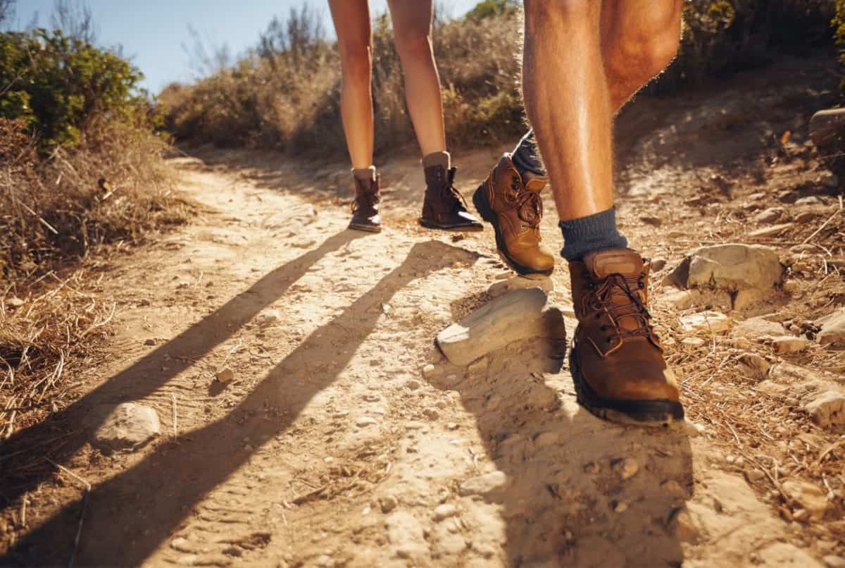 how to choose hiking boots - a buyers guide