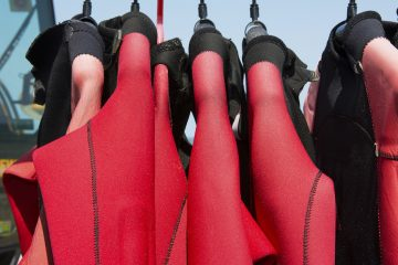 difference between wetsuit and drysuit