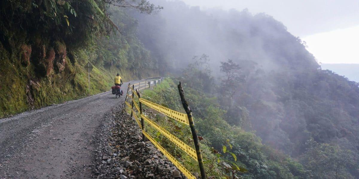 COLOMBIA'S DEATH ROAD: CYCLING EL TRAMPOLIN DE LA MUERTE