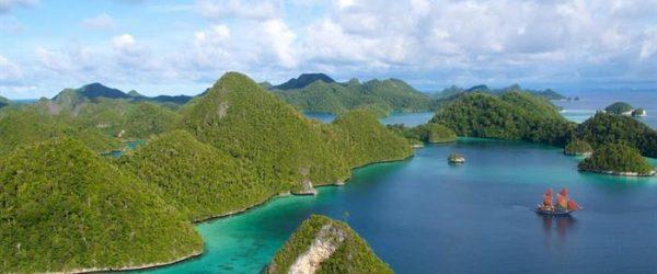 raja ampat diving livearboard reviews